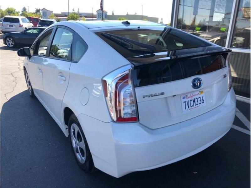 Toyota Prius 2015 price $15,995