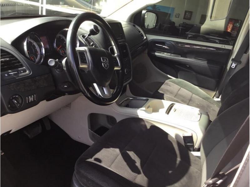 Dodge Grand Caravan Passenger 2011 price $6,995