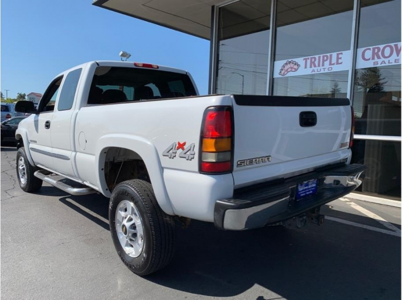 GMC Sierra 2500 HD Extended Cab 2004 price $11,995