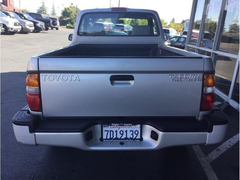 Toyota Tacoma Regular Cab 2003 price $11,995