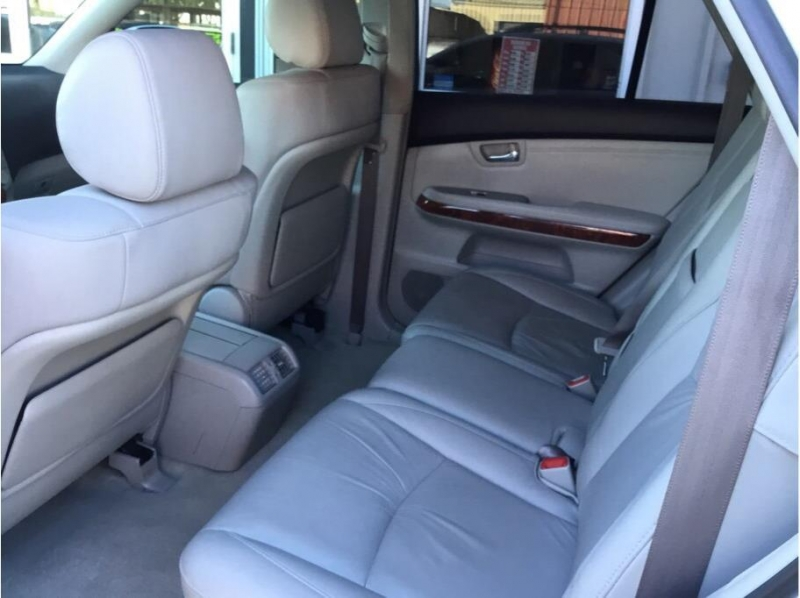 Lexus RX 2006 price $10,995