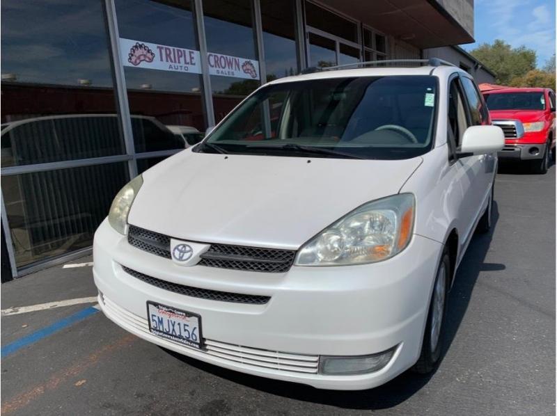 Toyota Sienna 2005 price $7,995