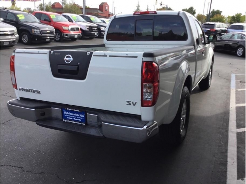 Nissan Frontier King Cab 2015 price $10,995