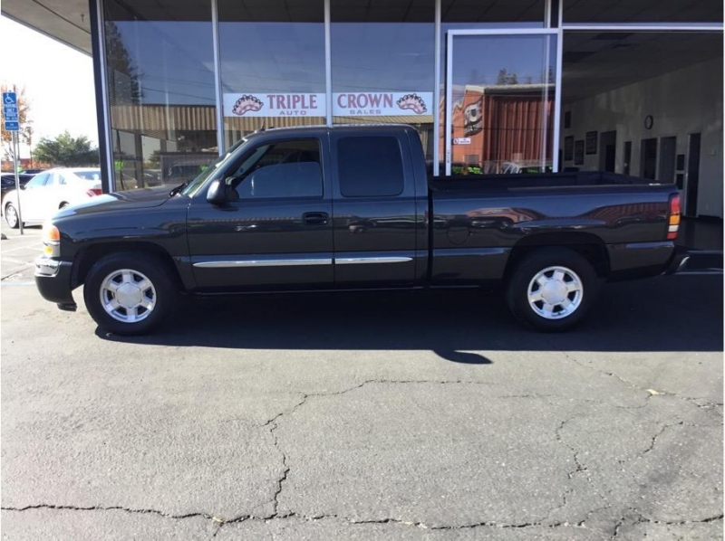 GMC Sierra 1500 Extended Cab 2005 price $12,995