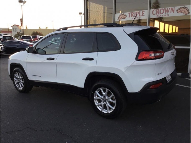 Jeep Cherokee 2016 price $13,995