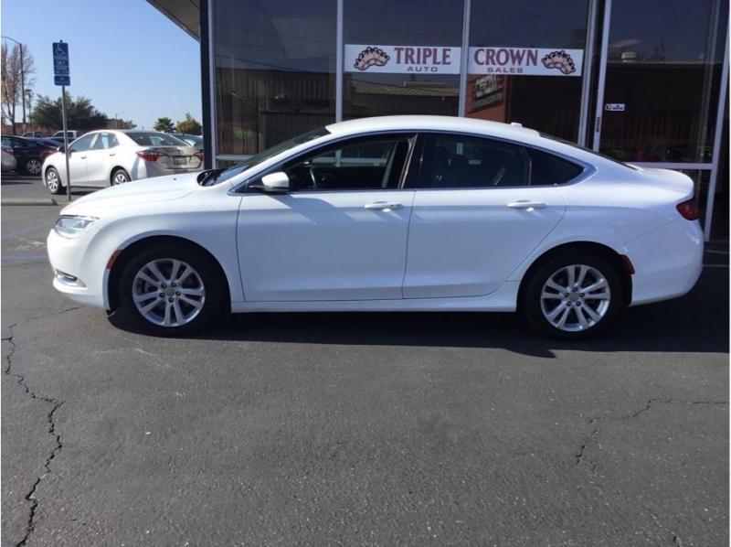 Chrysler 200 2016 price $9,995