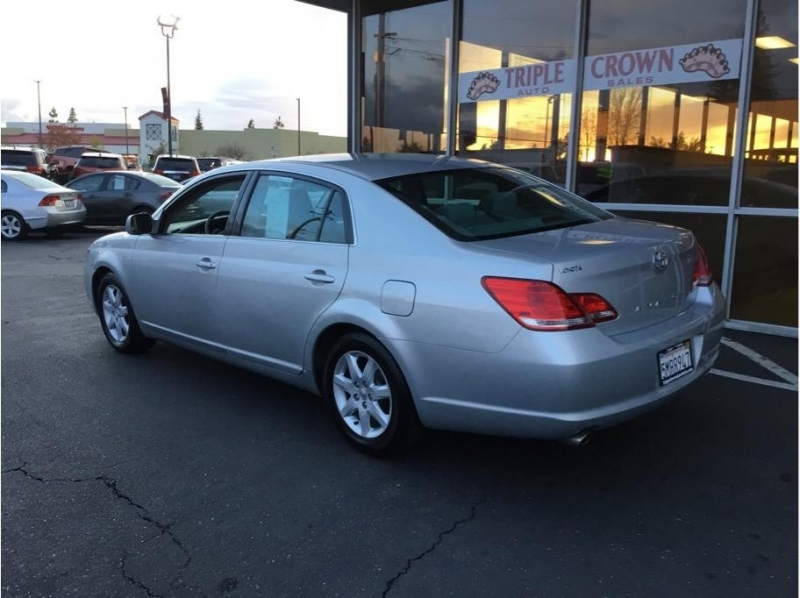 Toyota Avalon 2005 price $6,995