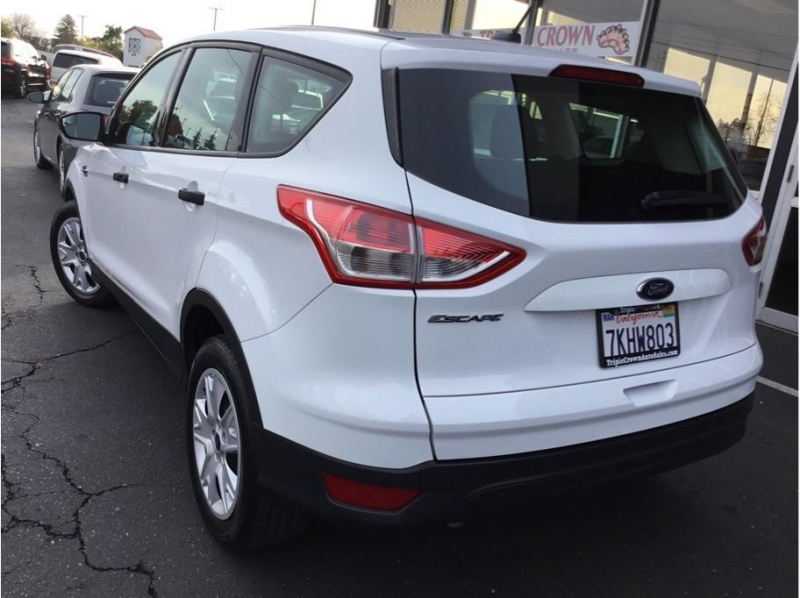 Ford Escape 2015 price $8,995