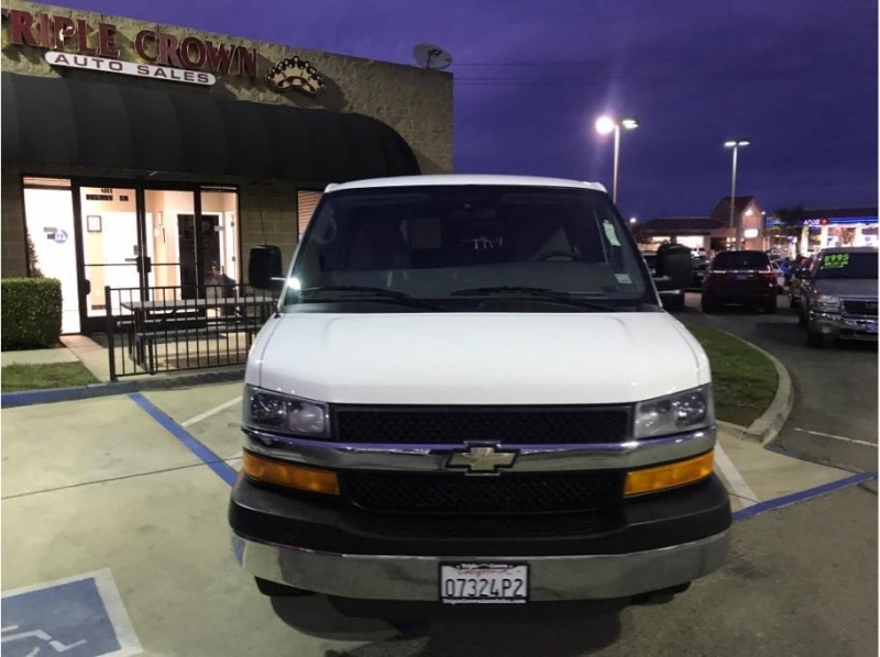 Chevrolet Express 3500 Passenger 2010 price $13,995