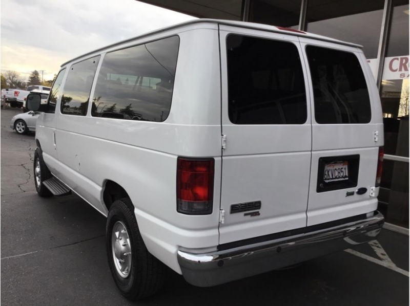 Ford E350 Super Duty Passenger 2010 price $9,995