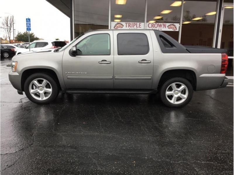 Chevrolet Avalanche 2009 price $11,995