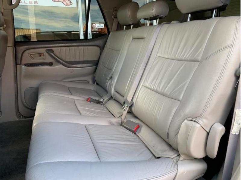 Toyota Sequoia 2004 price $5,995