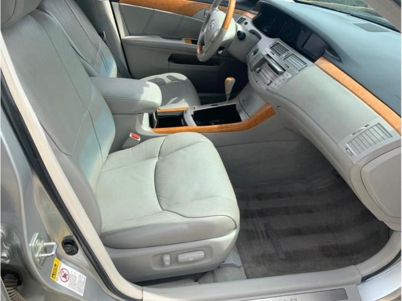 Toyota Avalon 2006 price $7,995