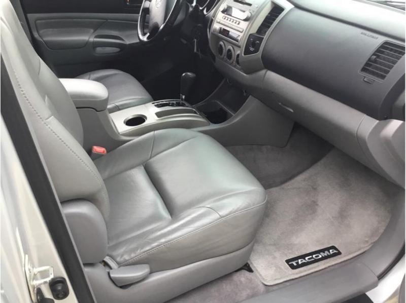 Toyota Tacoma Access Cab 2005 price $11,995