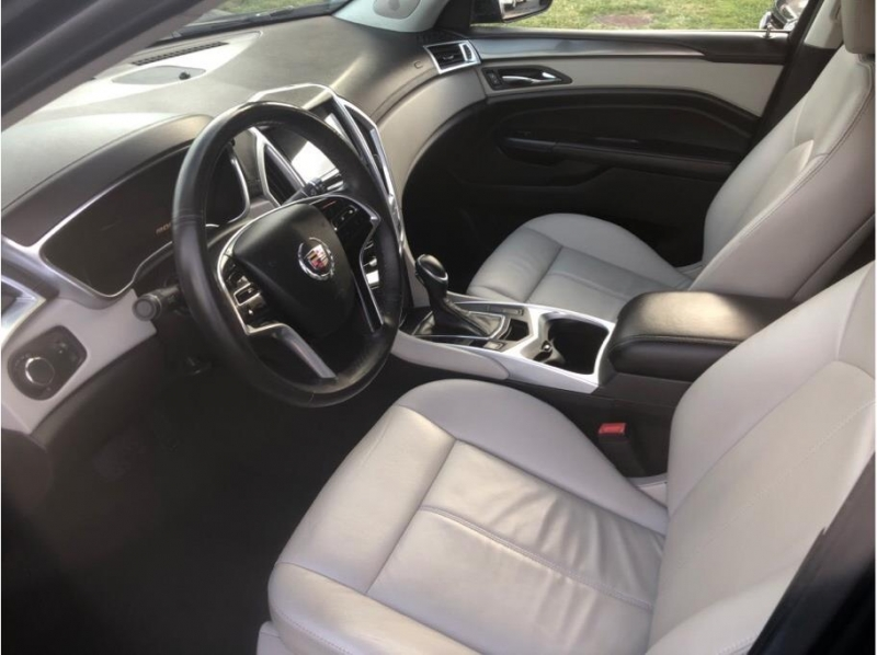 Cadillac SRX 2013 price $10,995