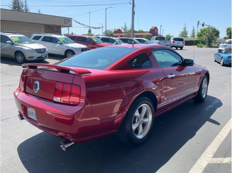 Ford Mustang 2007 price $12,995