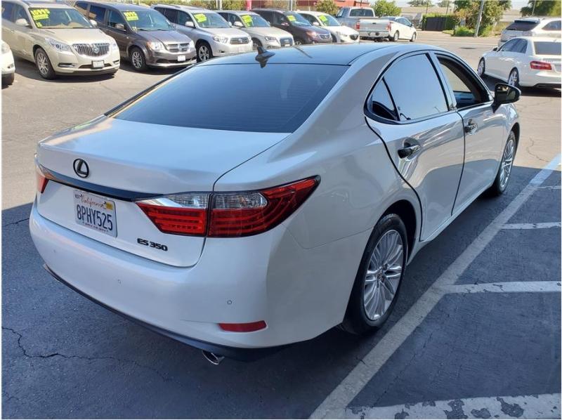 Lexus ES 2013 price $14,995