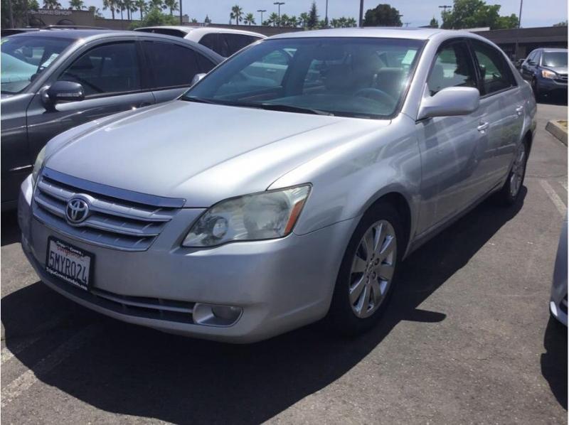 Toyota Avalon 2005 price $6,995
