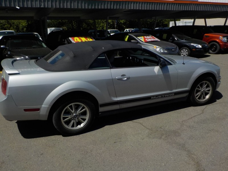 Ford Mustang 2005 price $6,898