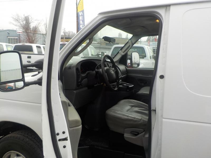 Ford Econoline Cargo Van 2008 price $7,898