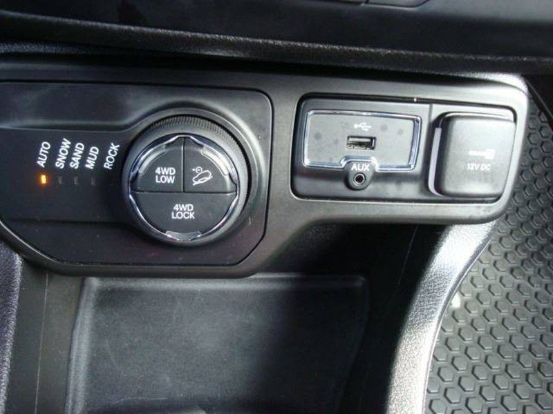 Jeep Renegade 2018 price $17,995