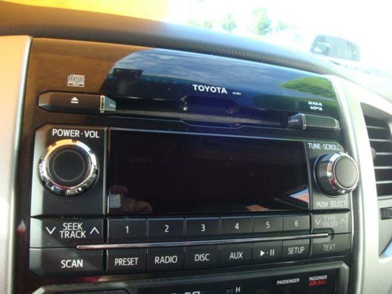 Toyota Tacoma 2012 price $26,200
