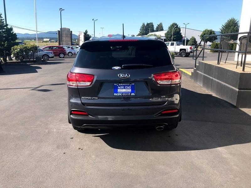 Kia Sorento 2017 price $21,995
