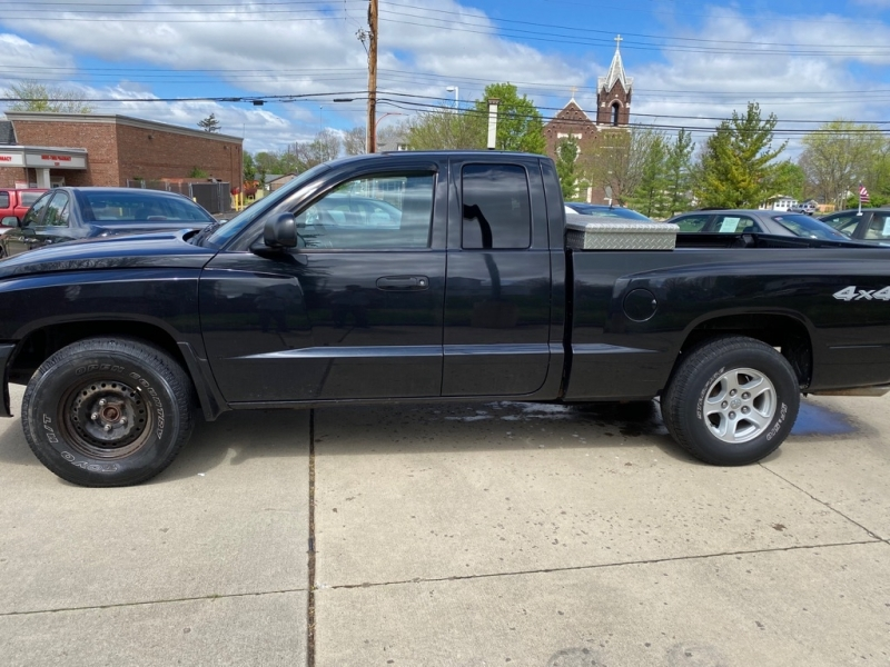 DODGE DAKOTA 2006 price $5,250