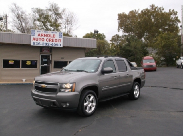 2007 Chevrolet Avalanche @ CASH ONLY