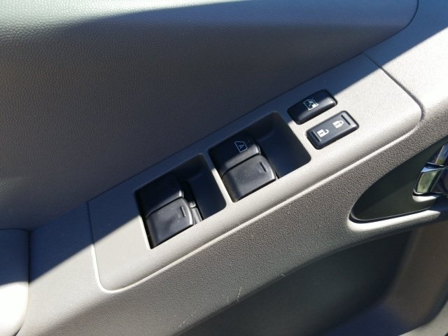 Nissan Frontier 2015 price $19,699