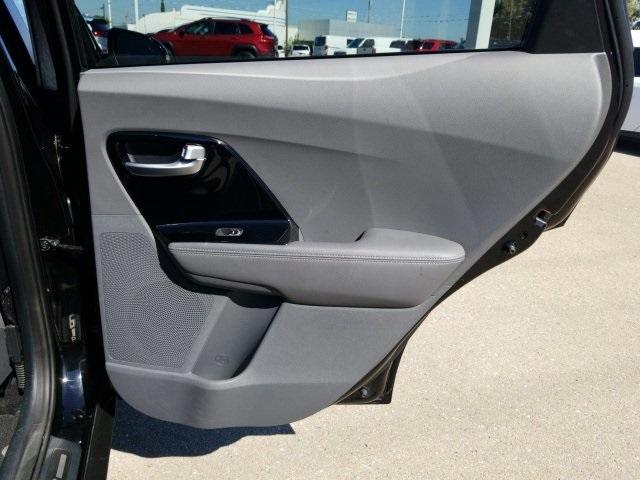 Kia Niro 2018 price $20,226