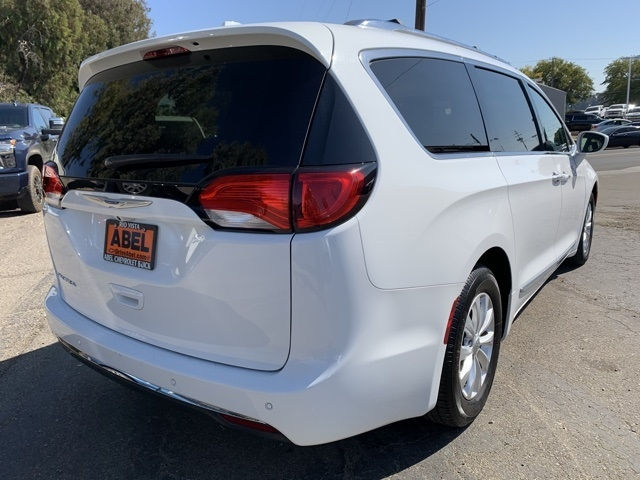 Chrysler Pacifica 2018 price $21,119