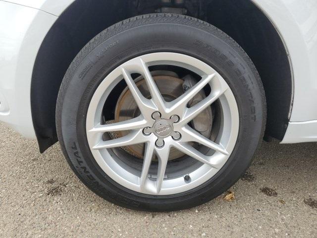 Audi Q5 2017 price $27,692