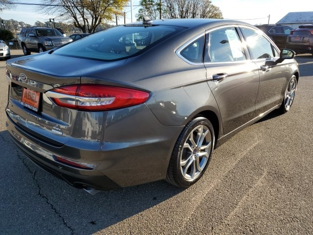 Ford Fusion 2019 price $18,997
