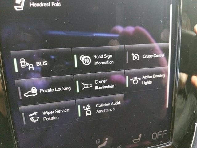 Volvo XC90 2017 price $31,610