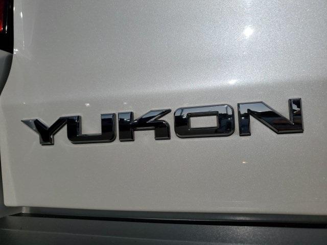 GMC Yukon 2016 price $42,799