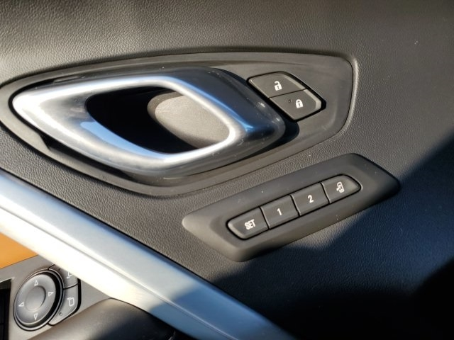 Chevrolet Camaro 2017 price $22,997