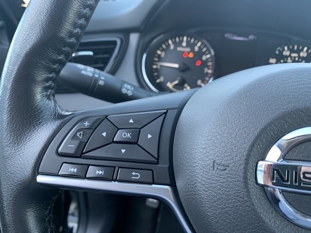 Nissan Rogue Sport 2018 price $18,373