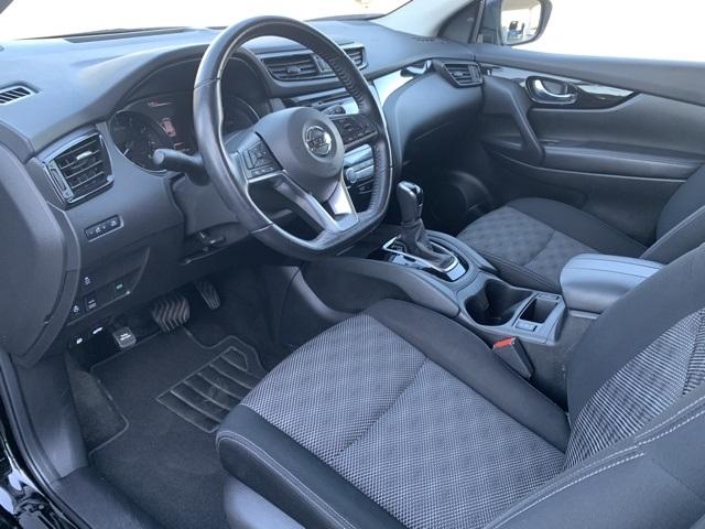 Nissan Rogue Sport 2018 price $17,207