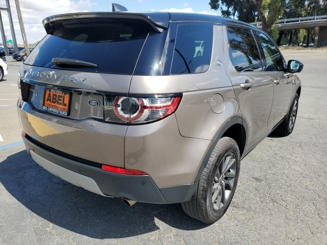 Land Rover Discovery Sport 2017 price $29,133