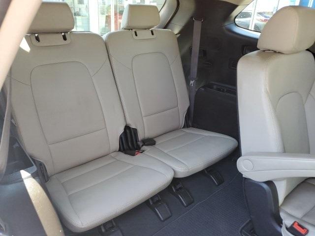 Hyundai Santa Fe 2017 price $24,604