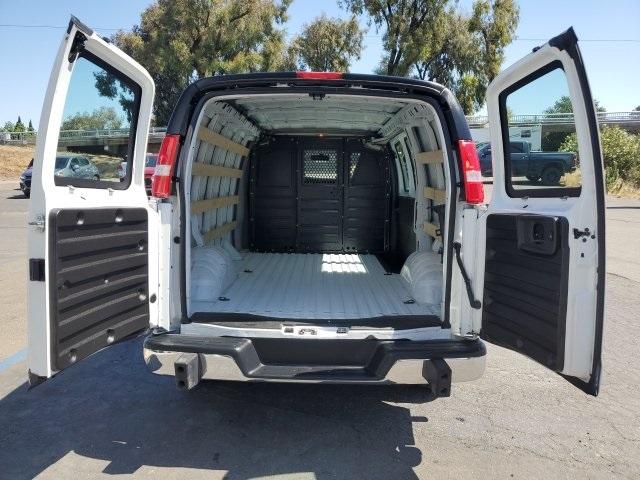 GMC Savana 2500 2018 price $22,660