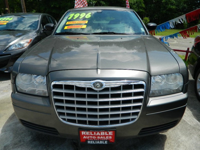 CHRYSLER 300 2008 price $5,500