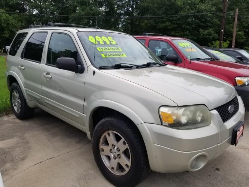 Ford ESCAPE 2005 price $4,300 Cash