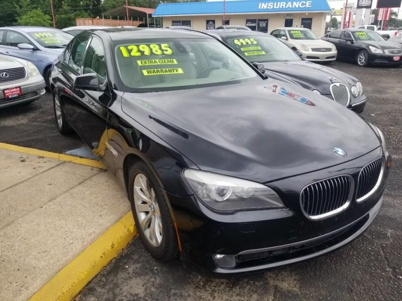 BMW 750 2009 price $12,500 Cash