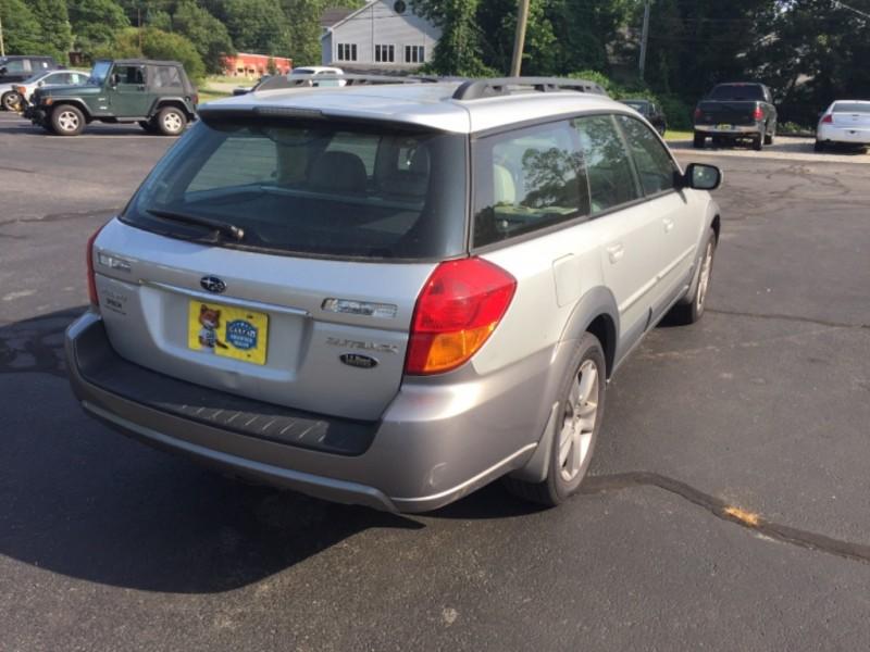 Subaru Outback 2005 price $4,399