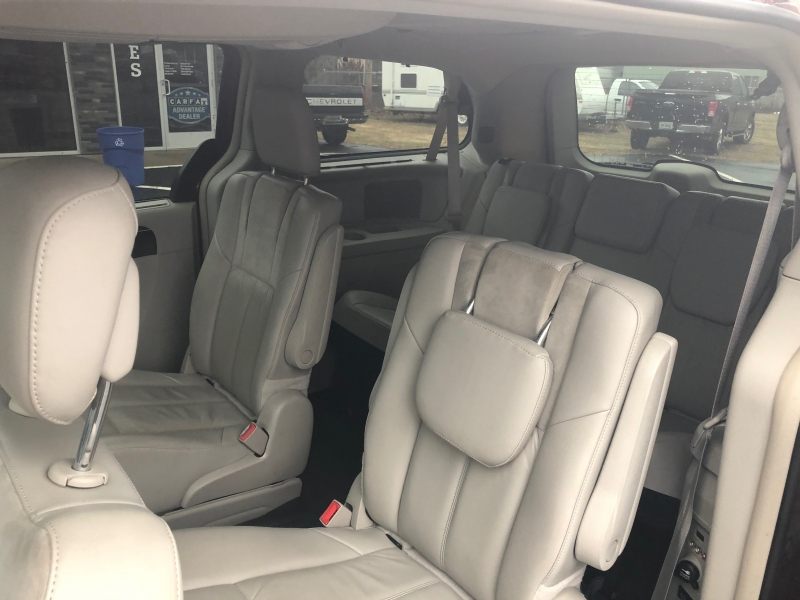 Chrysler Town & Country 2014 price $15,118