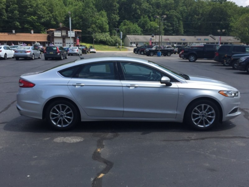 Ford Fusion 2017 price $15,828