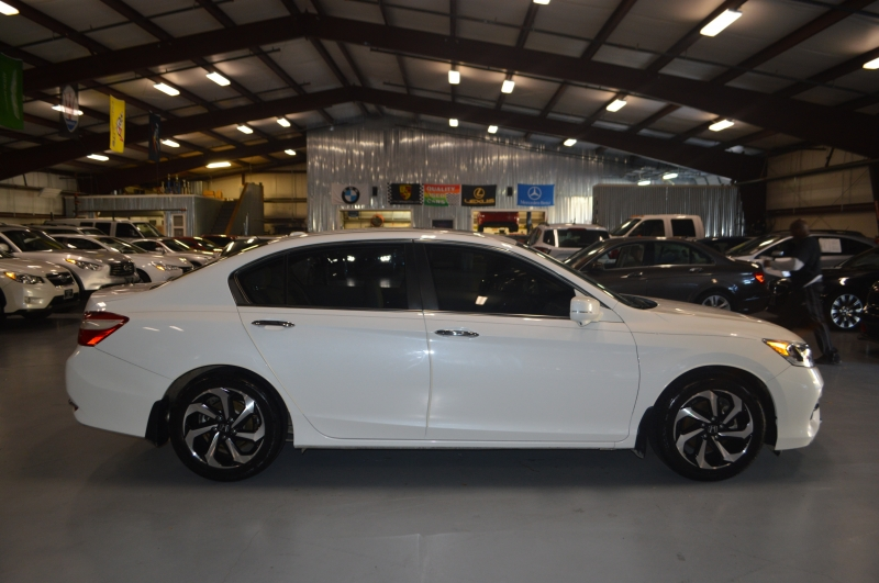 Honda Accord Sedan 2016 price $14,995