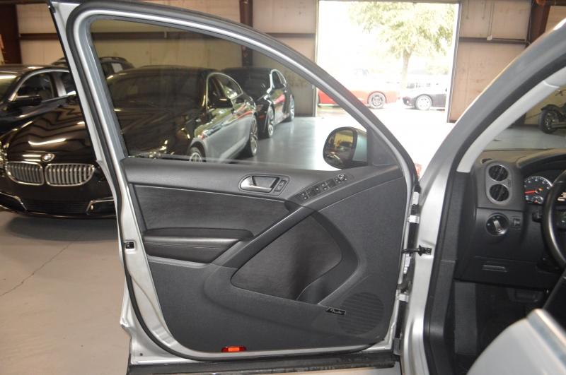 Volkswagen Tiguan 2014 price $10,595